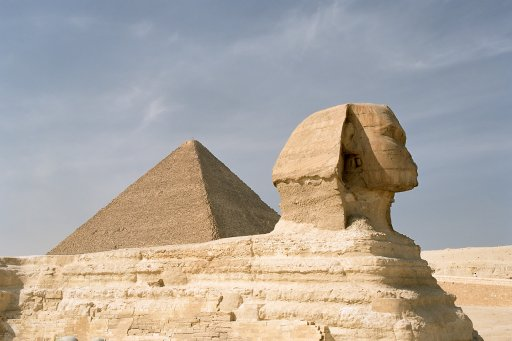 Sphinx and the Khufu, Gizeh Pyramid complex in Cairo, Egypt