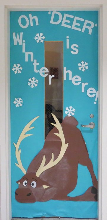 Door Decoration - Oh Deer, Winter is here!